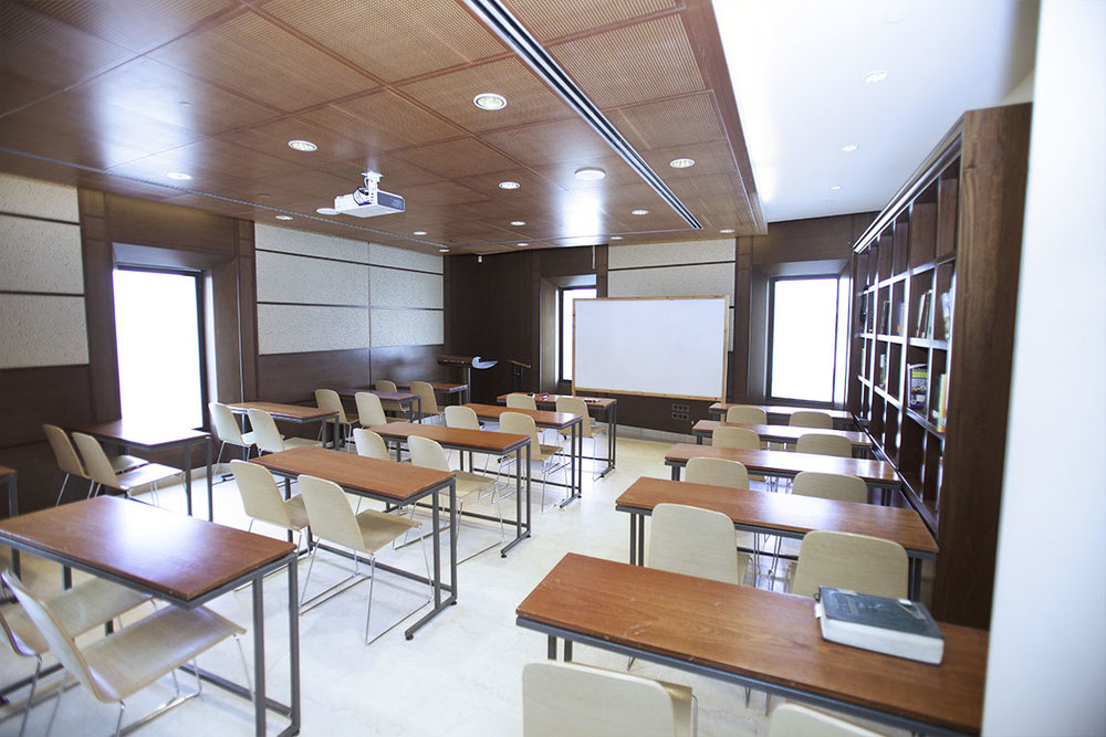 aish-essentials-class-room.jpg
