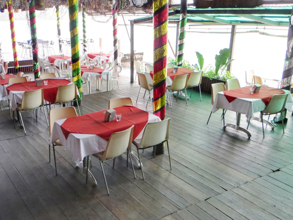 Casa Guatemala_Hotel Backpackers_Restaurant Seating.jpg