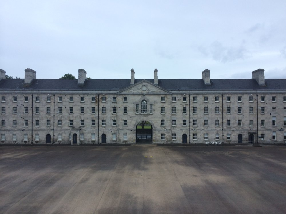Ireland_Dublin_CollinsBarracks.jpg