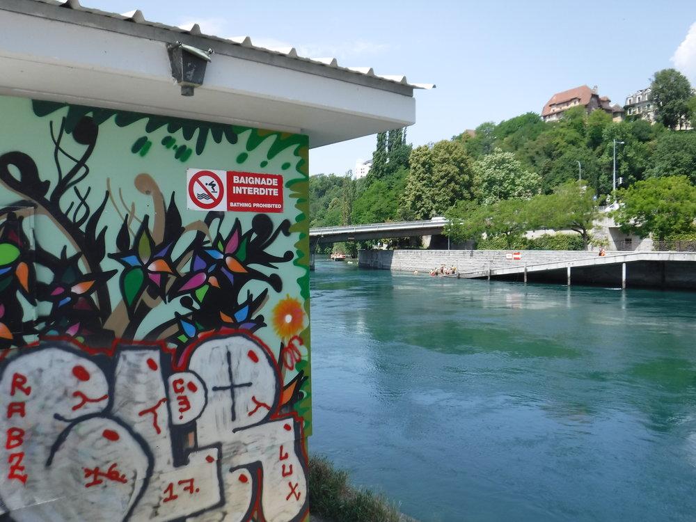 Switzerland_Geneva_River2.JPG