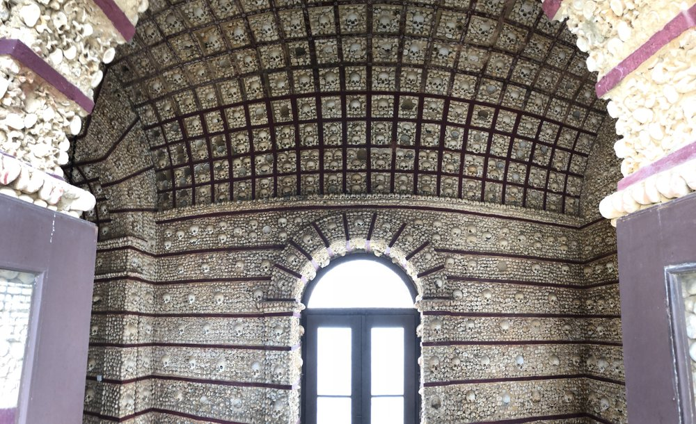 Capela dos Ossos (Chapel of Bones)