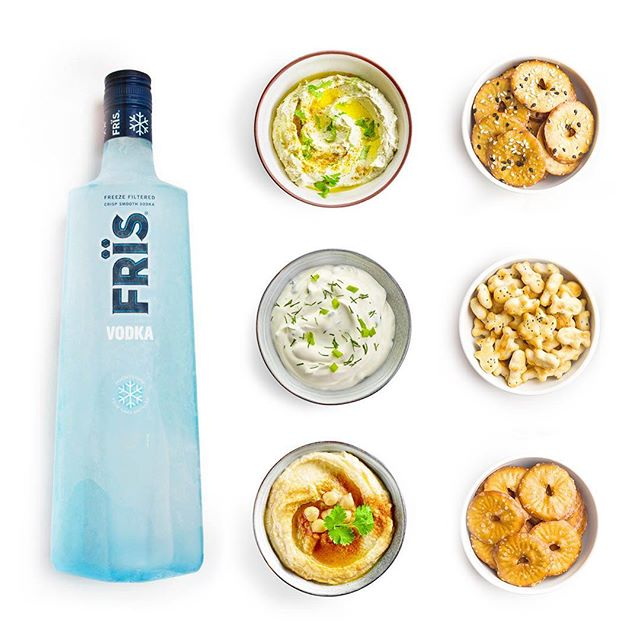 Sippin' and snackin'. #Fris #FrisVodka #Vodka #party #munchies