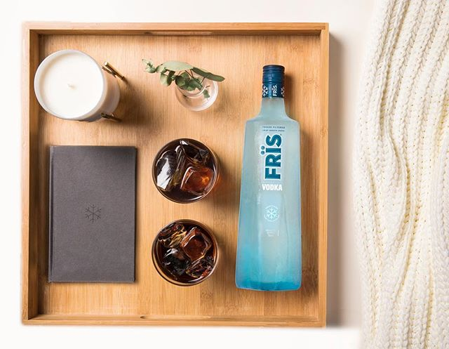 Turn your snow day into a Frïs day ❄ -- Frïs Black Russian 2 parts Frïs Vodka 1 part coffee liqueur  Combine Frïs Vodka and coffee liqueur in a rocks glass filled with ice and stir.