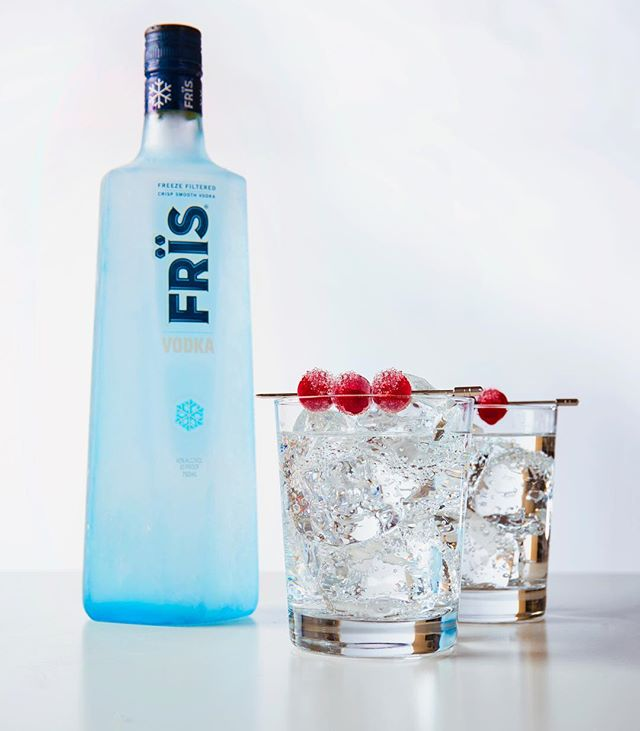 All about that Freeze filtered finishing touch. #Fris #FrisVodka #Vodka #cocktailgarnishes