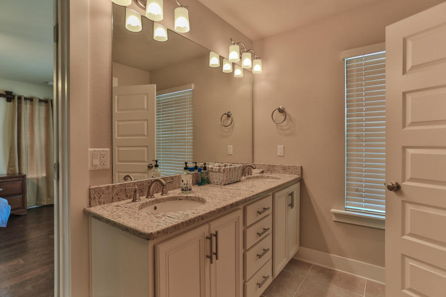 142 Montclair master bath 1.jpg