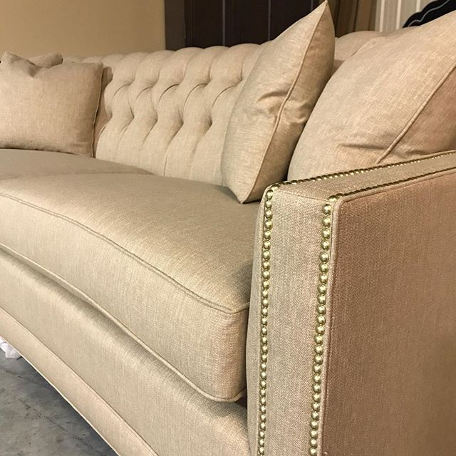 This might be my favorite sofa to date.  Tufted ✔️ Gold trim ✔️✔️ Comfortable ✔️✔️✔️ We have N E W  S O F A S!!!