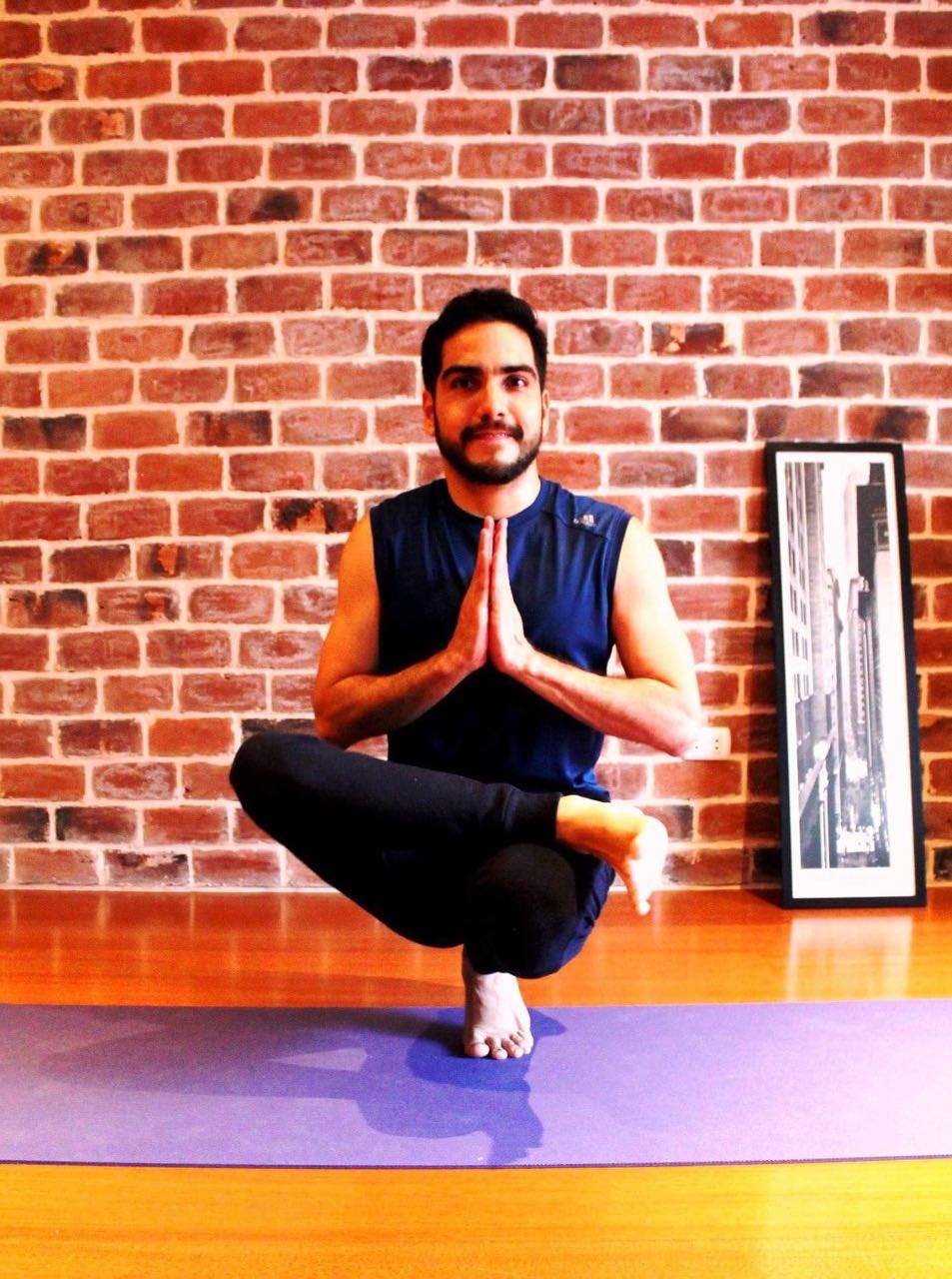 Eduardo's vision of yoga is that which combines body movement, conscious breathing, a focussed mind and a colourful spirit as a way to reach true wholeness. He achieves this by using intelligent body movement sequences that build energy, strength and flexibility; channeling the flow of the life force energy through sound pranayamas; cultivating more meditative practices through a number of kriyas or meditations and awakening the spiritual self through beautiful mantras.