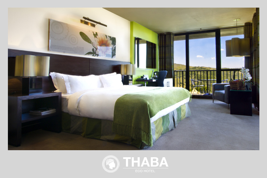 Luxury_Rooms_Bedroom_Green.jpg