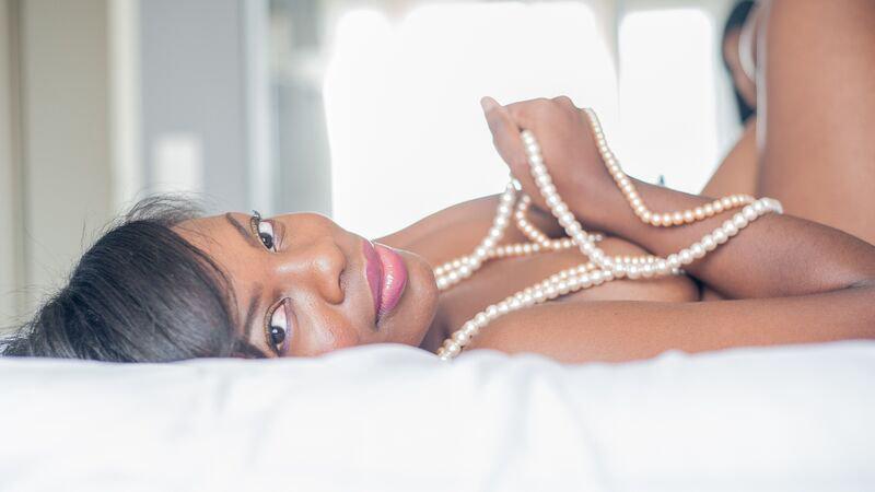 Toni Black Intimate Lifestyle Portraits (2).jpg