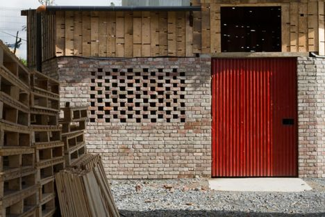 8_the-cowshed-summer-project-for-a-sustainable-future_thumb.jpg