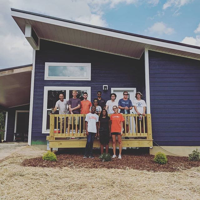 Big thank you to Clemson Univeristy for volunteering with us today!! #servicegroup #volunteering #affordablehousing #hendersoncounty #oklawahavillage