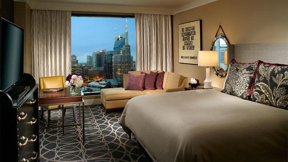 bnadtn-omni-nashville-hotel-king-1.jpg
