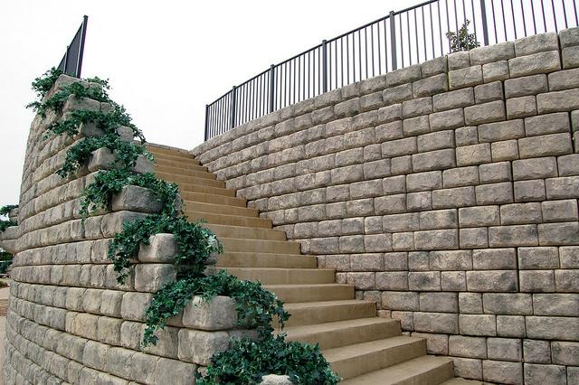 redi-rock-stairs.jpg