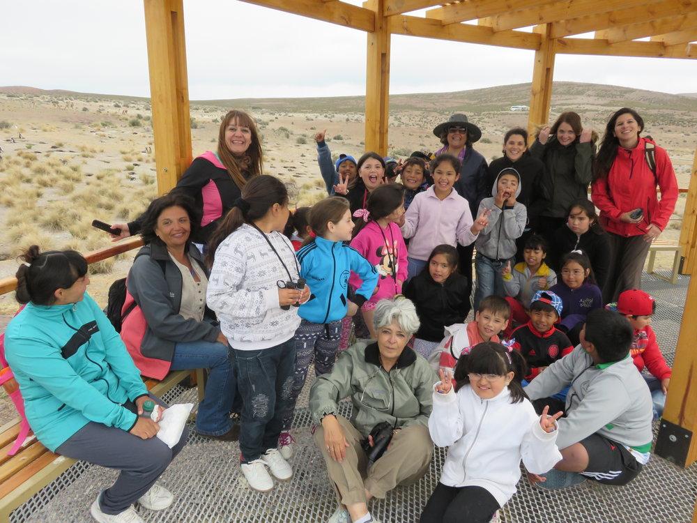 2014 Llevando nenes a conocer pinguinos Cabo 2 Bahias.JPG