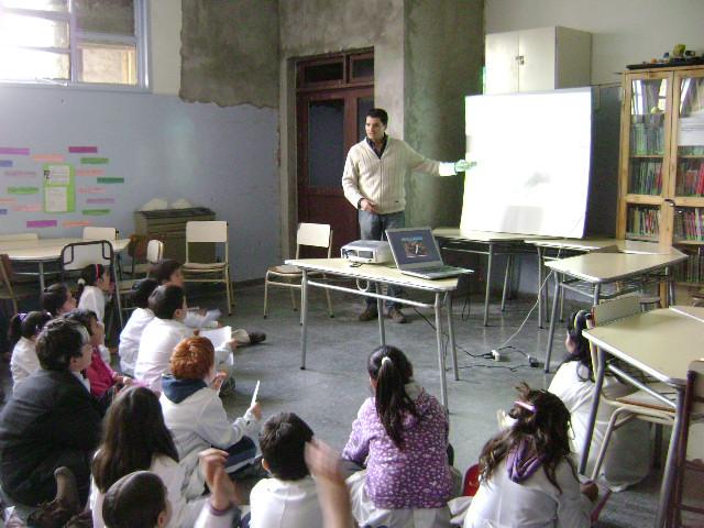 2003 Charla Esc 42 Puerto Madryn.jpg
