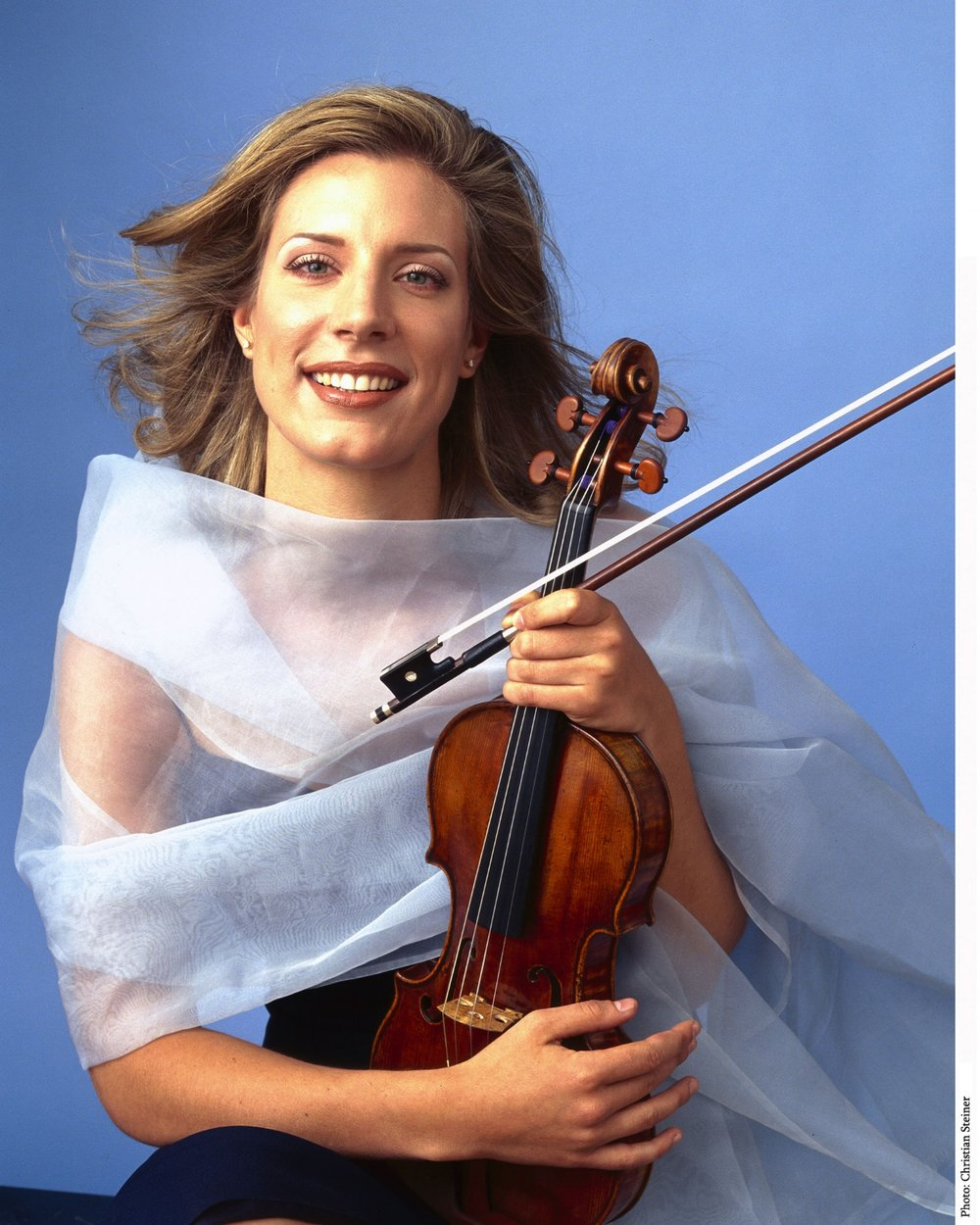 The Return of the Red Violin  - International Violinist Elizabeth Pitcairn
