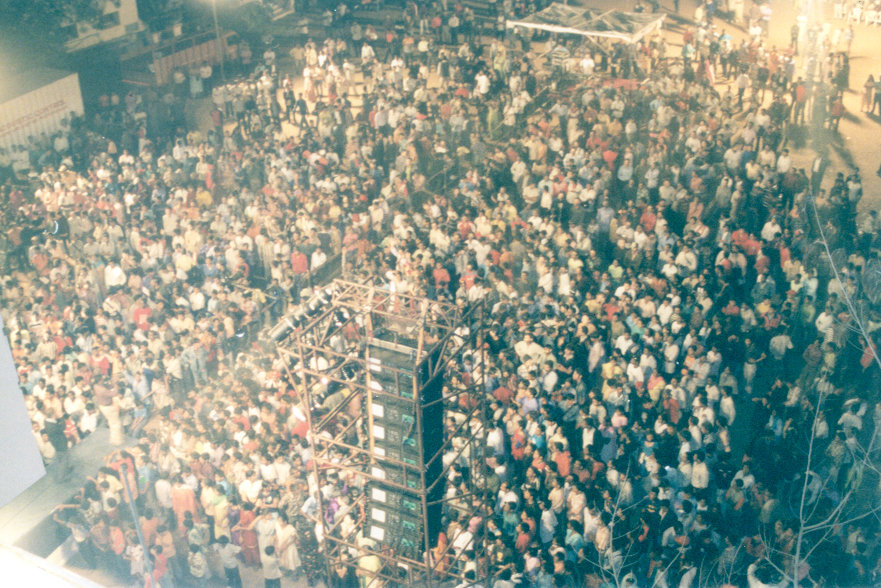 India above crowd clint rogers.jpg