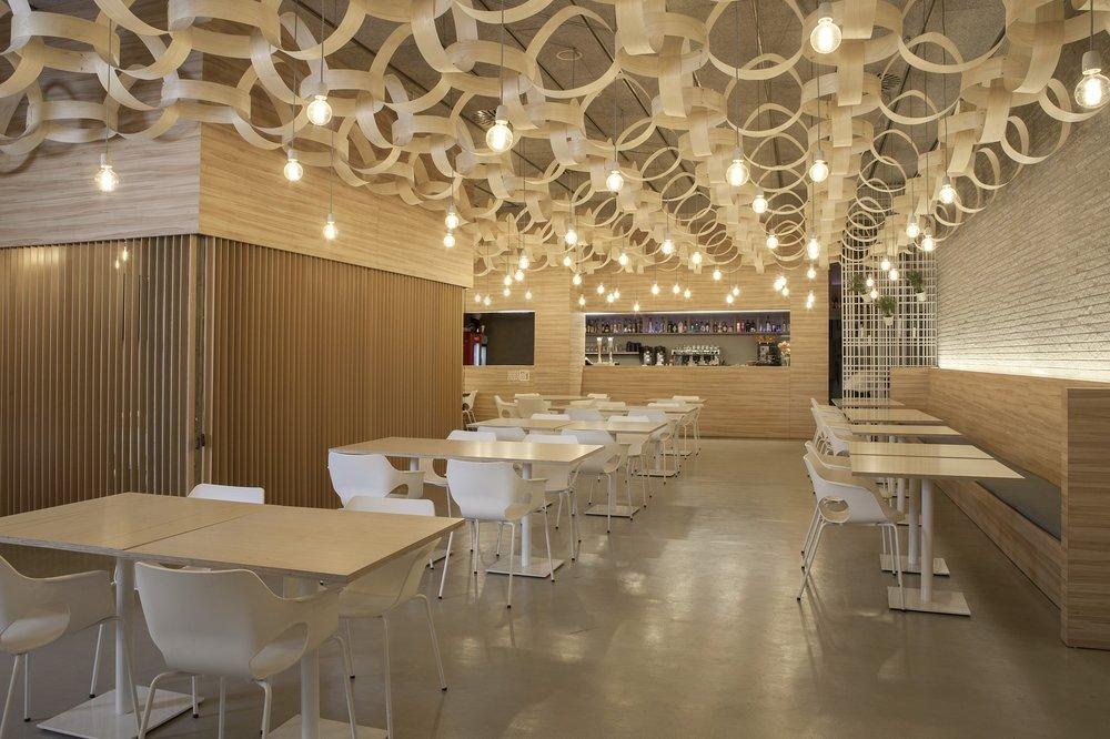 restaurant interior-design-1769616_1920.jpg