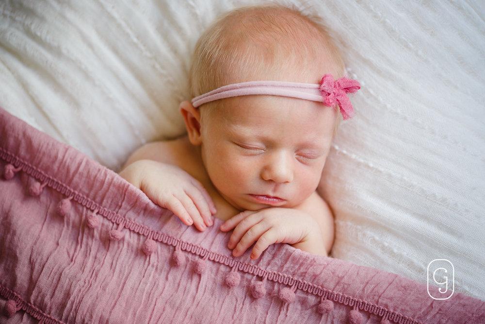 JulieGriffinPhotography_blog_JuliaT-Newborn__004.jpg