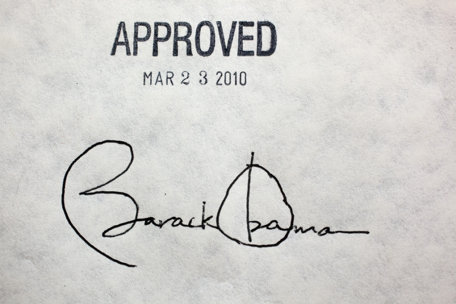president-barack-obamas-signature-on-the-health-insurance-reform-bill-at-the-white-house-march-23-2010-the-president-signed-the-bill-with-22-different-pens1.jpg