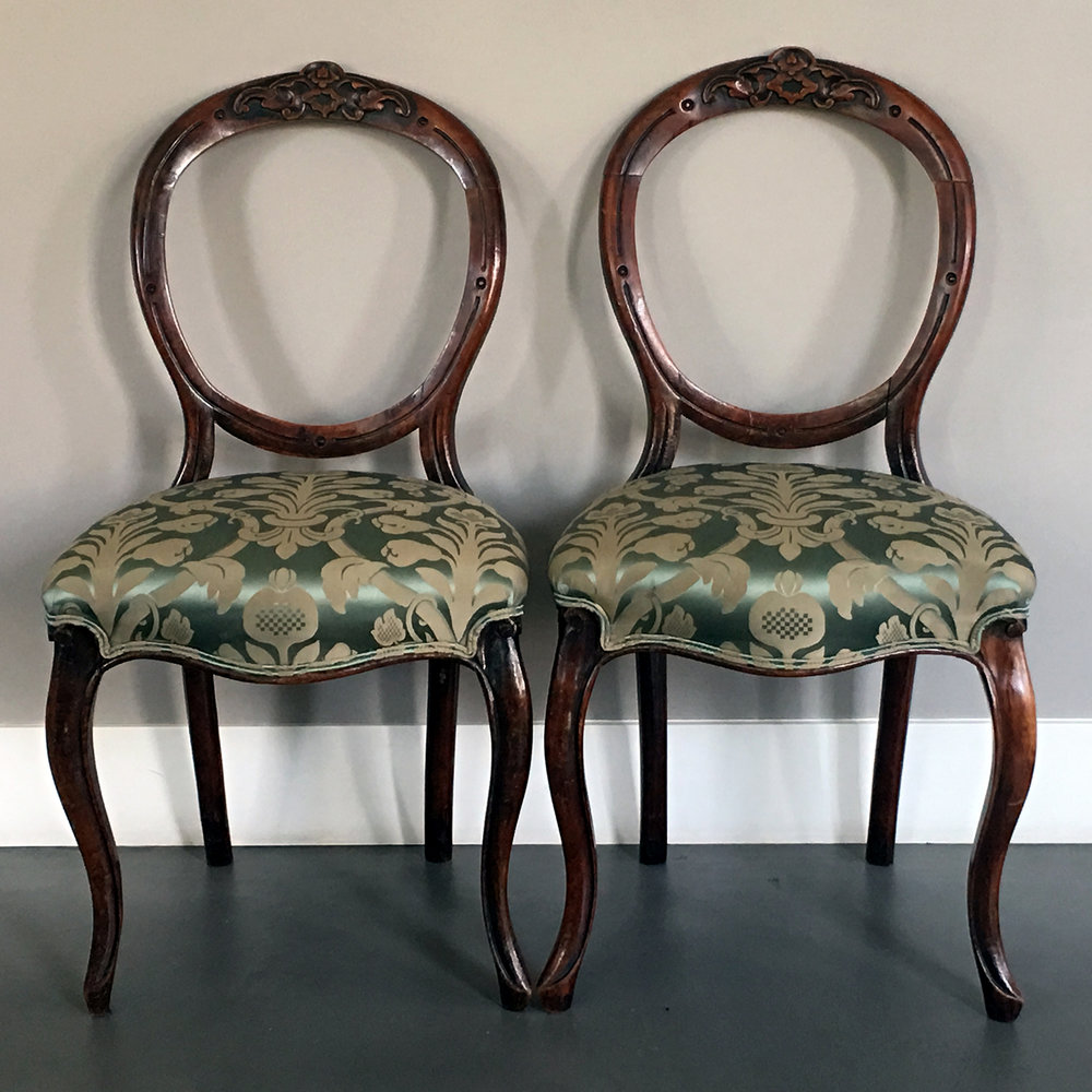 19TH CENTURY VICTORIAN CARVED OPEN BALLOON PARLOR CHAIRS   DISTRESSED