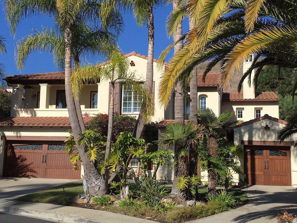 OCEAN ESTATE SERVICES   Estate Sale Services    & LIQUIDATION SOLUTIONS   Learn More