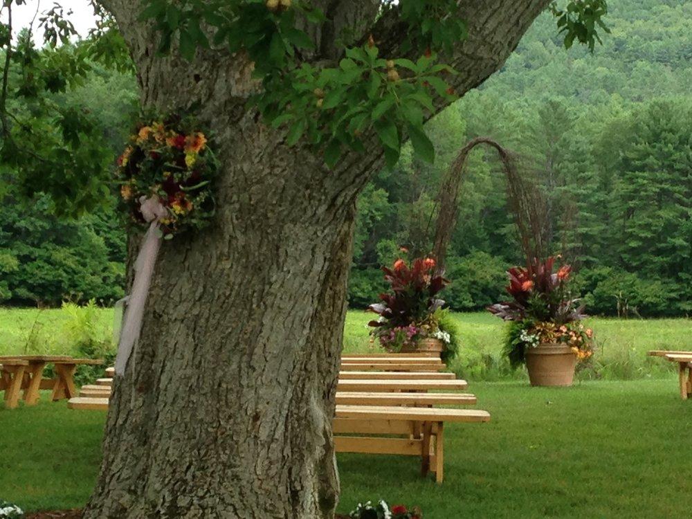 summer lawn wedding arbor