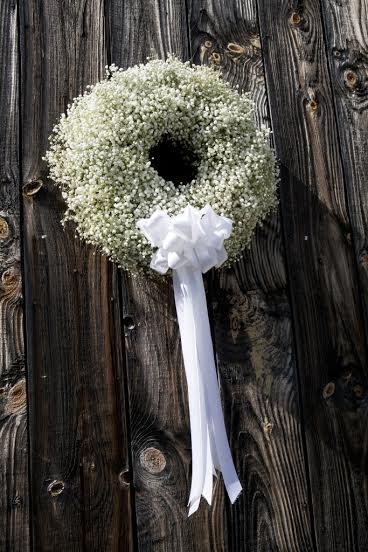 Baby's breath barn door wreath