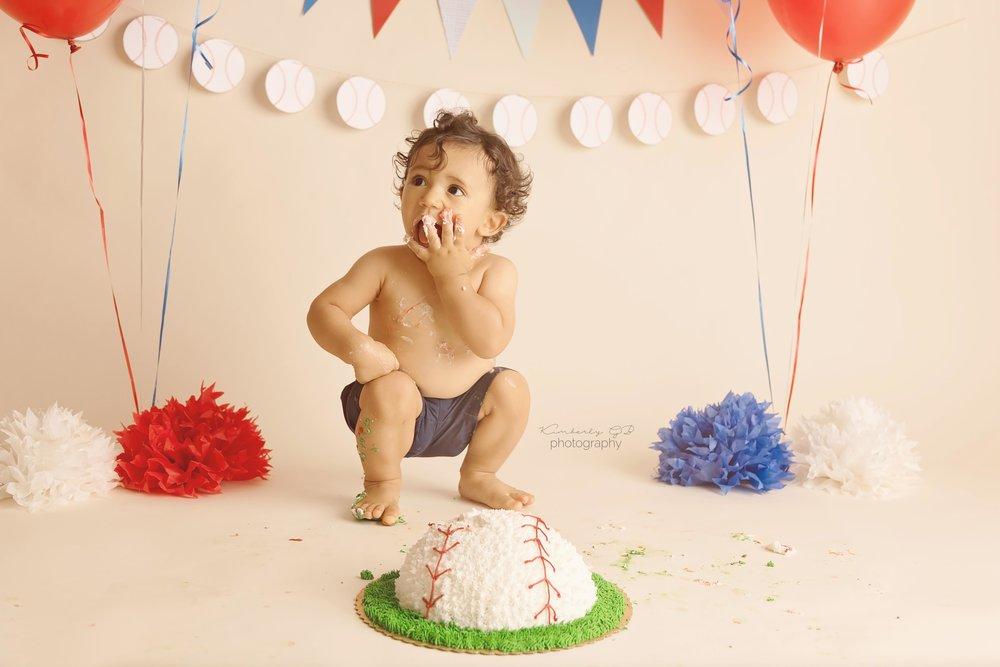 fotografia-de-ninos-primer-ano-anito-cake-smash-bizcocho-en-puerto-rico-kimberly-gb-photography-fotografa-59.jpg