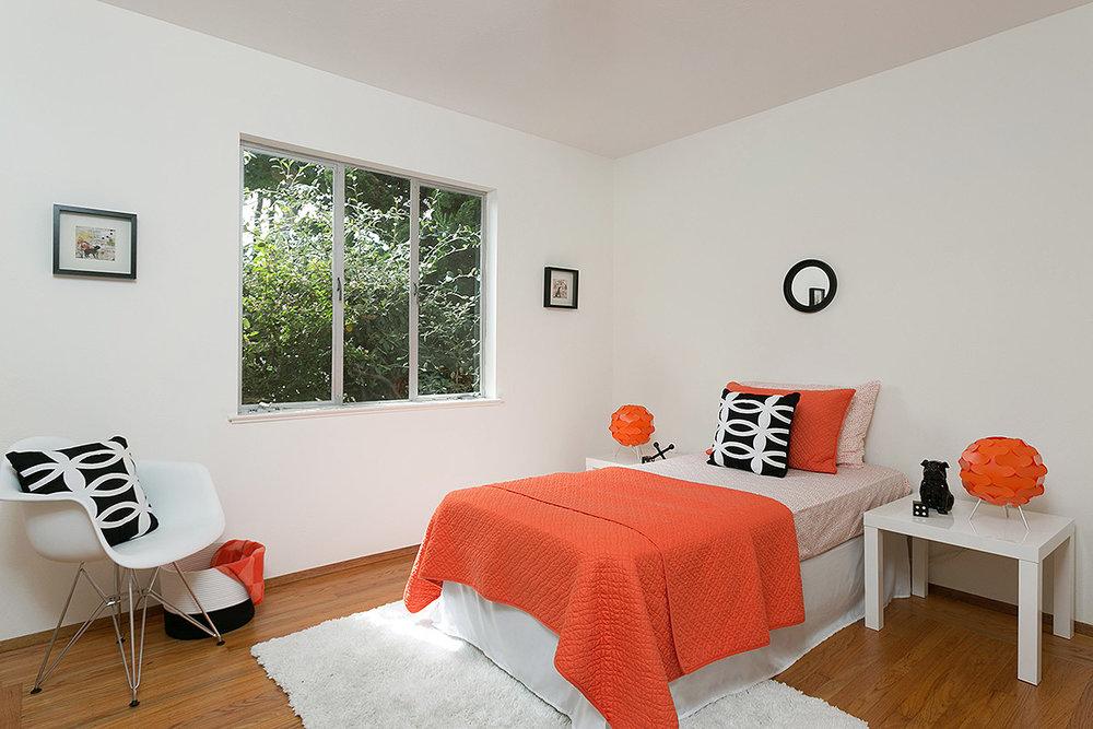 600 Everett_12 Bed1.jpg