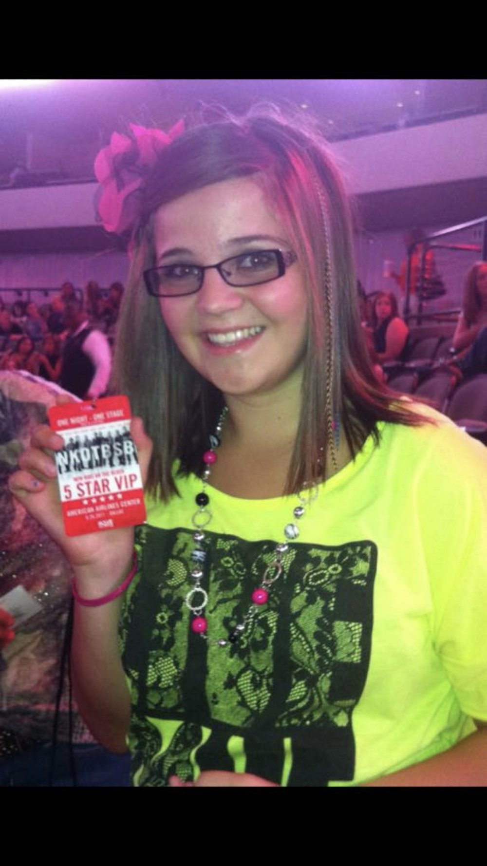 PIC FROM NKOTBSB TOUR (this was not really her lanyard, Reagan posed with it, lol)