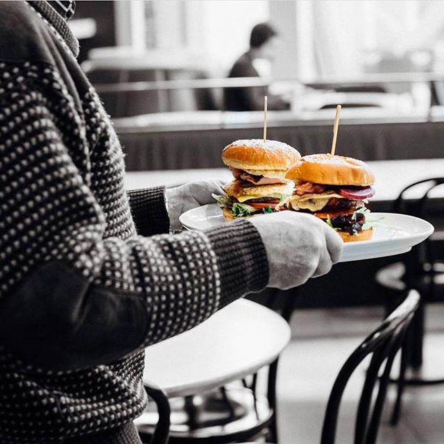 What's better then one burger ?  #charlieandcoburgers #tuesdaydinnerdate #tuesdaylunchdate #emporiummelbourne #westfieldsydney  Open till 7pm Emporium Melbourne & Westfield Sydney. 🍔🧡🍔