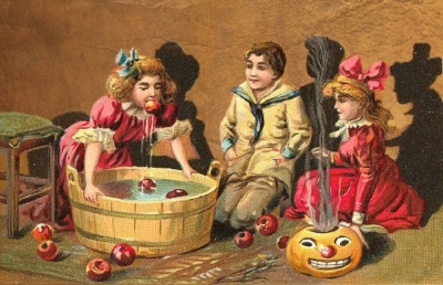 Image from a vintage Halloween postcard (c. 1890-1920).