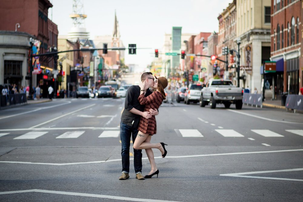Nashville-wedding-photographers-Downtown-Nashville-Engagement-Broadway