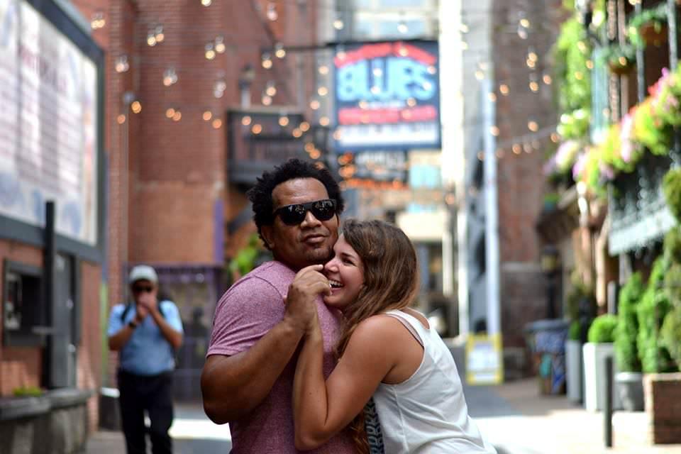 Nashville-wedding-photographers-Downtown-Nashville-Engagement-Printers-Alley