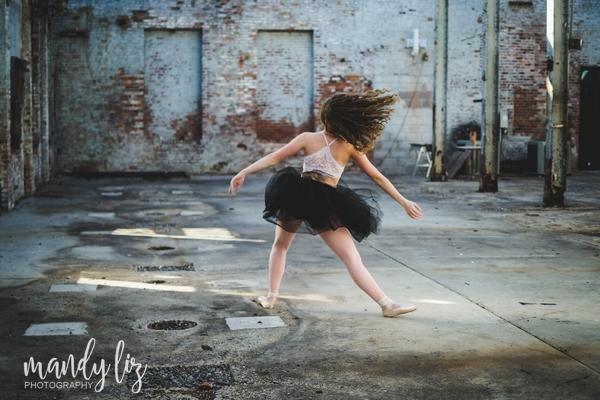 Nashville-senior-photographer-City-Urban-Ballerina-Ballet-Session (3)