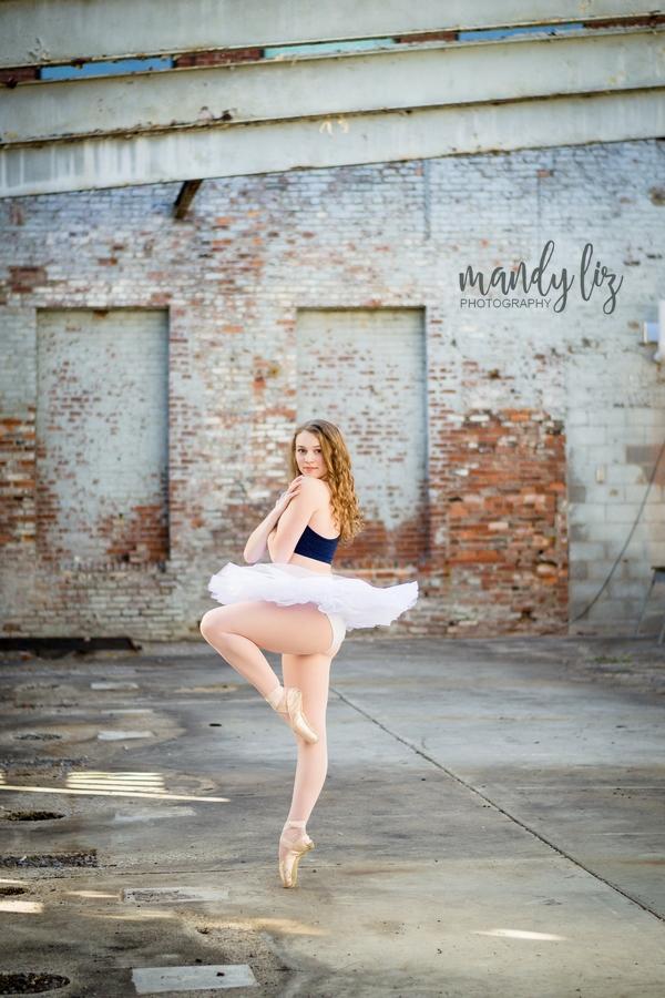 Nashville-senior-photographer-City-Urban-Ballerina-Ballet-Session (4)