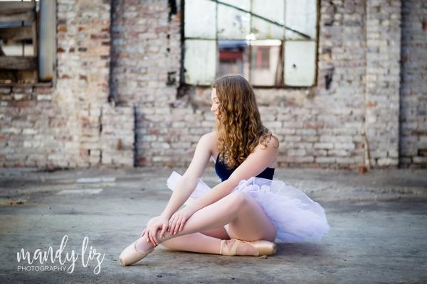Nashville-senior-photographer-City-Urban-Ballerina-Ballet-Session (8)