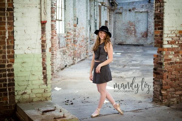 Nashville-senior-photographer-City-Urban-Ballerina-Ballet-Session (22)