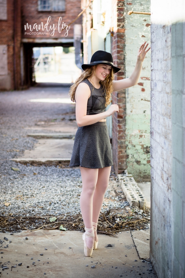 Nashville-senior-photographer-City-Urban-Ballerina-Ballet-Session (23)