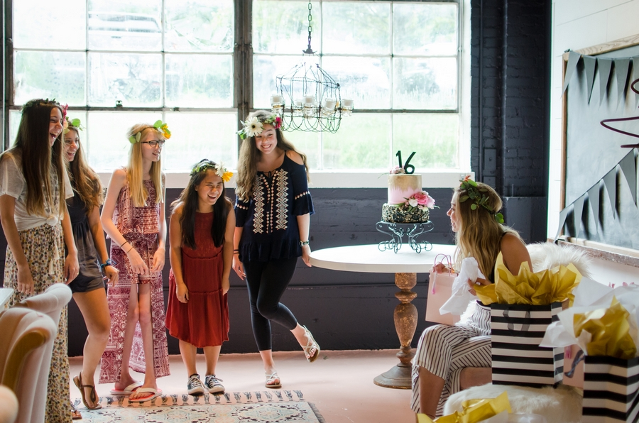 Sweet-16-Flower-Crown-Birthday-Party-City-Farmhouse-Nashville-Photographers+33