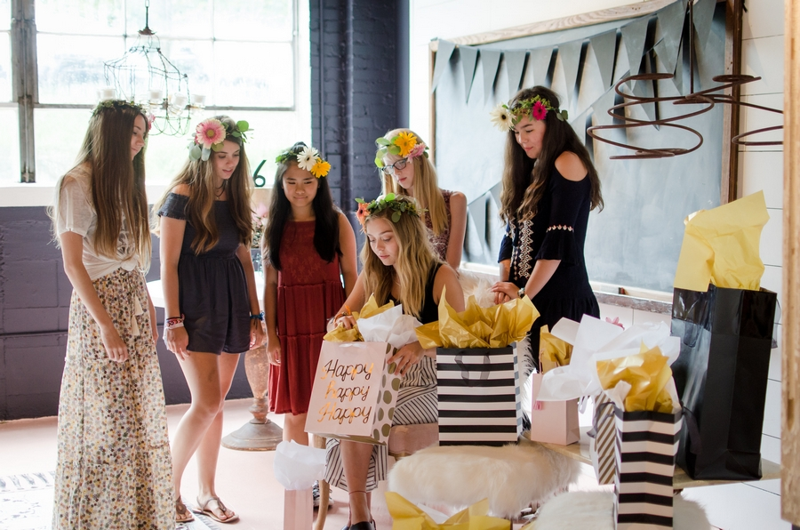 Sweet-16-Flower-Crown-Birthday-Party-City-Farmhouse-Nashville-Photographers+34