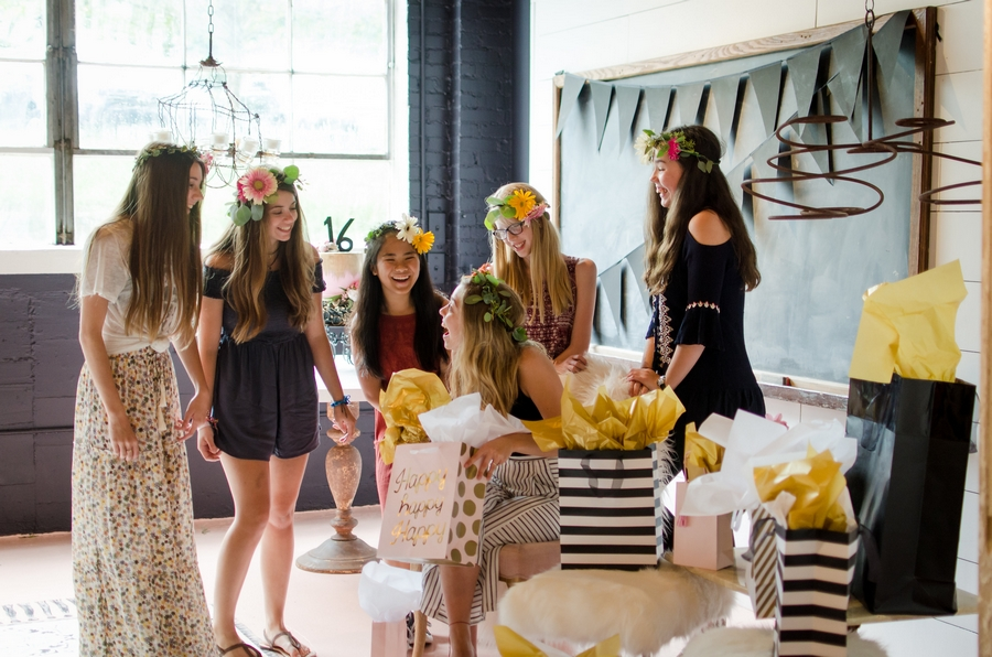 Sweet-16-Flower-Crown-Birthday-Party-City-Farmhouse-Nashville-Photographers+35
