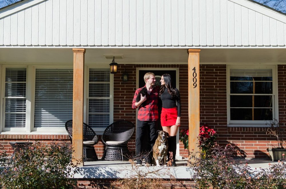 Couple-and-pet-In-Home-Christmas-Pictures-Nashville-Lifestyle-Photographer+1