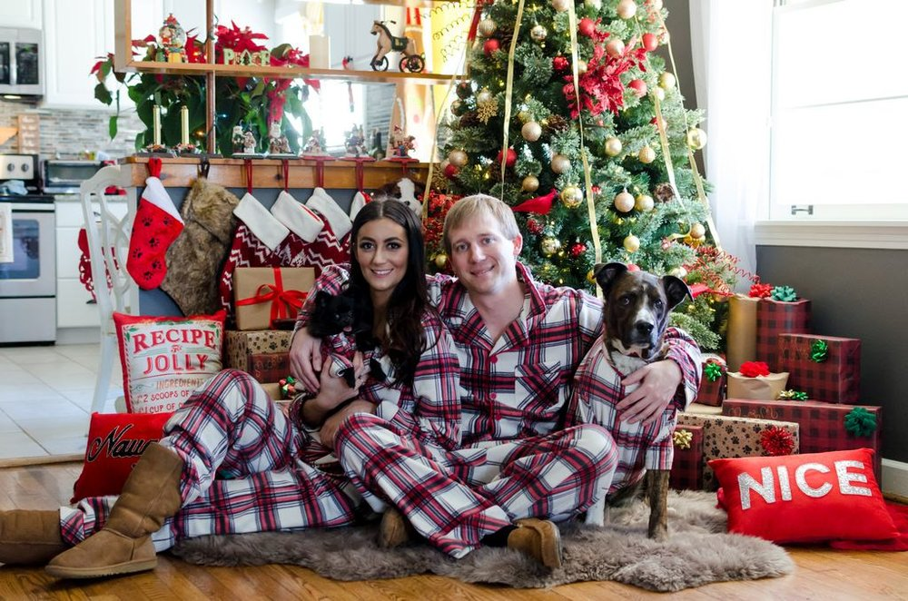 Couple-and-pet-In-Home-Christmas-Pictures-Nashville-Lifestyle-Photographer+4