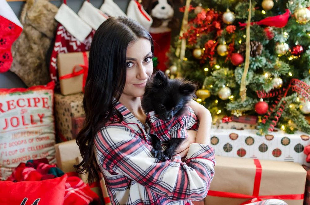 Couple-and-pet-In-Home-Christmas-Pictures-Nashville-Lifestyle-Photographer+13