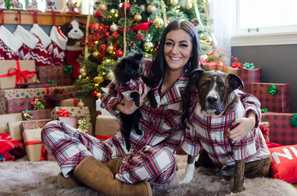 Couple-and-pet-In-Home-Christmas-Pictures-Nashville-Lifestyle-Photographer+15