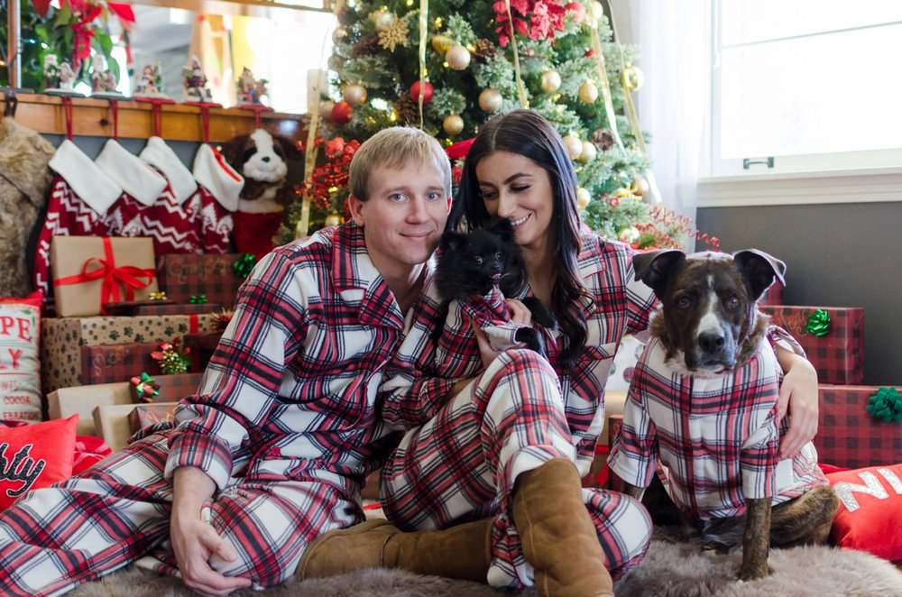 Couple-and-pet-In-Home-Christmas-Pictures-Nashville-Lifestyle-Photographer+19