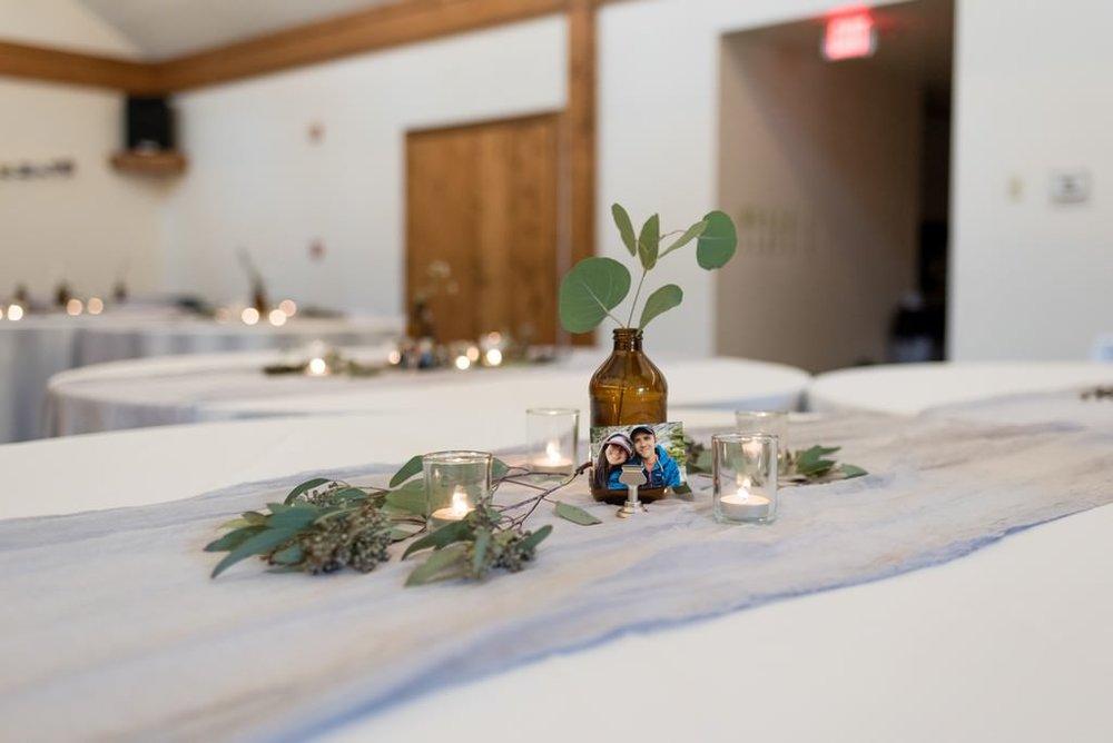 Samantha-Matt-Travellers-Rest-Plantation-Spring-Wedding-Nashville-Wedding-Photographers+2