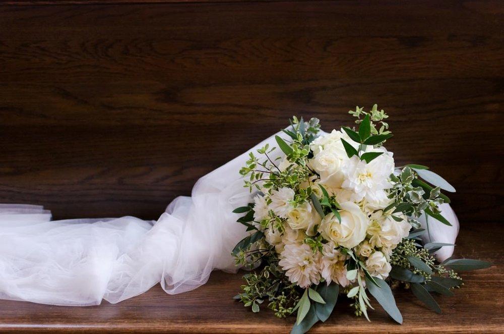 Scarritt-Bennett-Tennessee-Fall-Wedding-Nashville-Wedding-Photographers+5